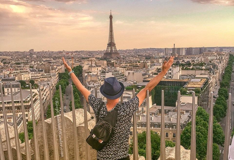 Arc de Triomphe View Paris France