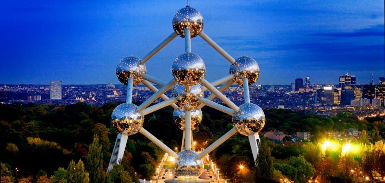 Atomium, Sembilan Bola Baja Raksasa yang Unik di Brussels