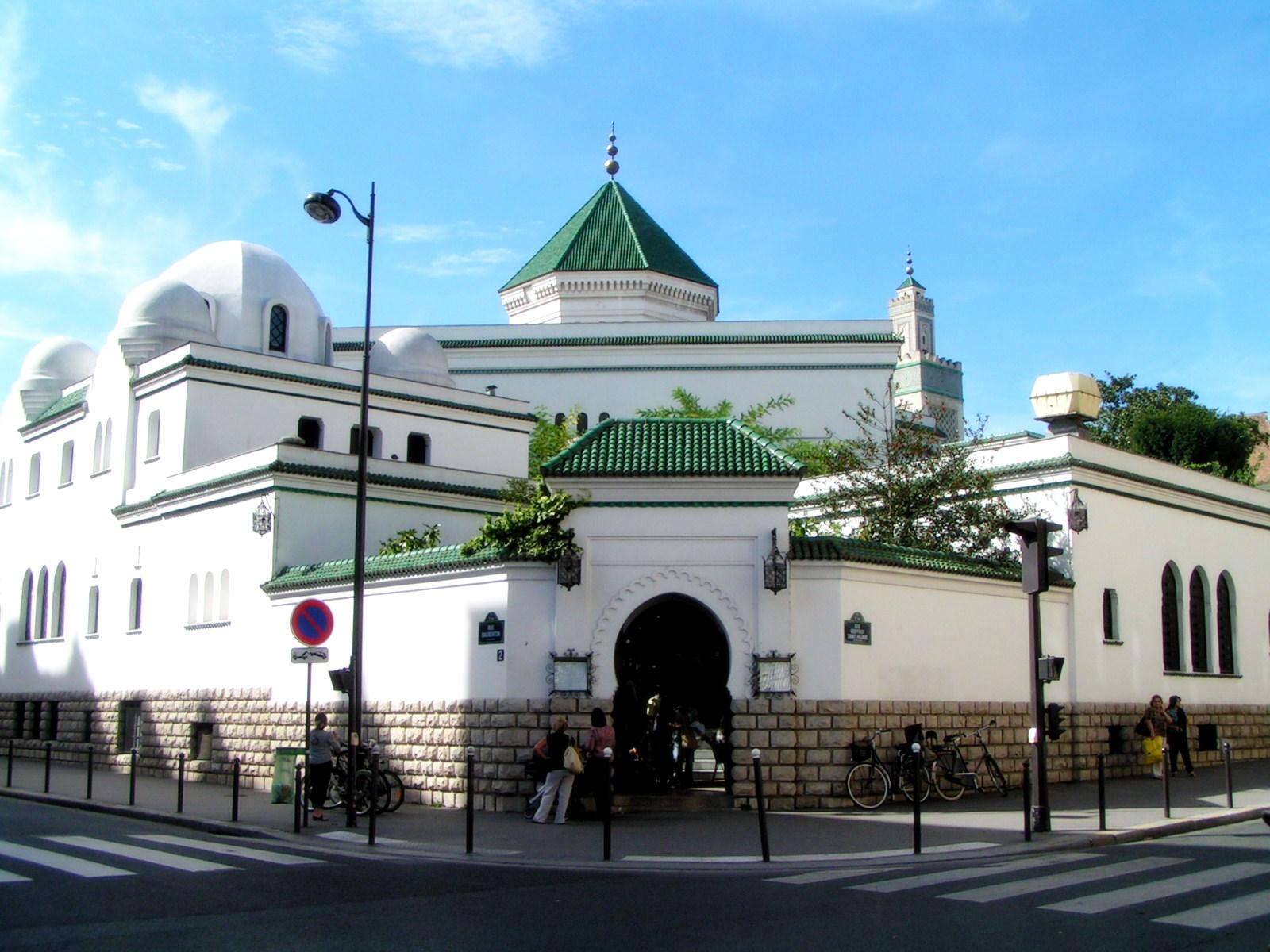 Masjid Raya Paris, Pesona Alhambra di Masjid Terbesar ke-3 se-Eropa