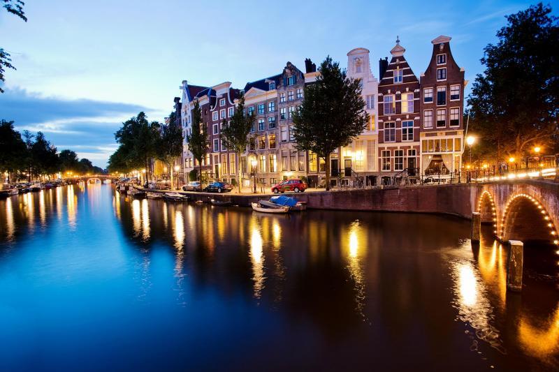 Sejarah Amsterdam Canal Cruise