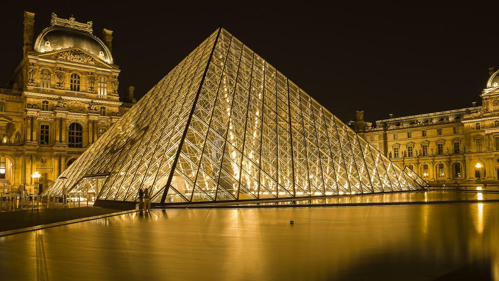 Wisata ke Louvre Museum
