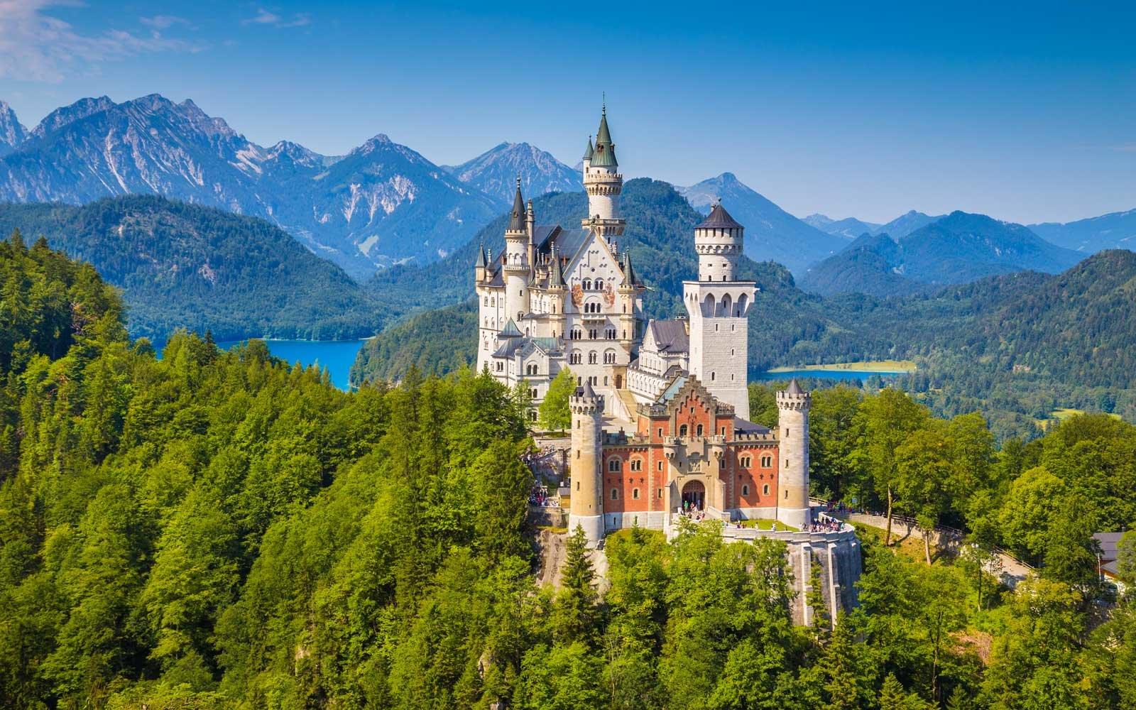 """Paket """"Tour Wisata Muslim Eropa Timur 11 Hari"""" November / Desember 2018"""