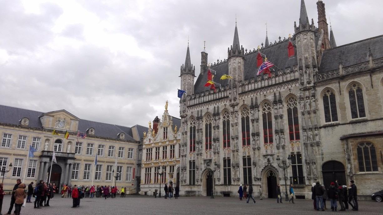Basilika di Burg square