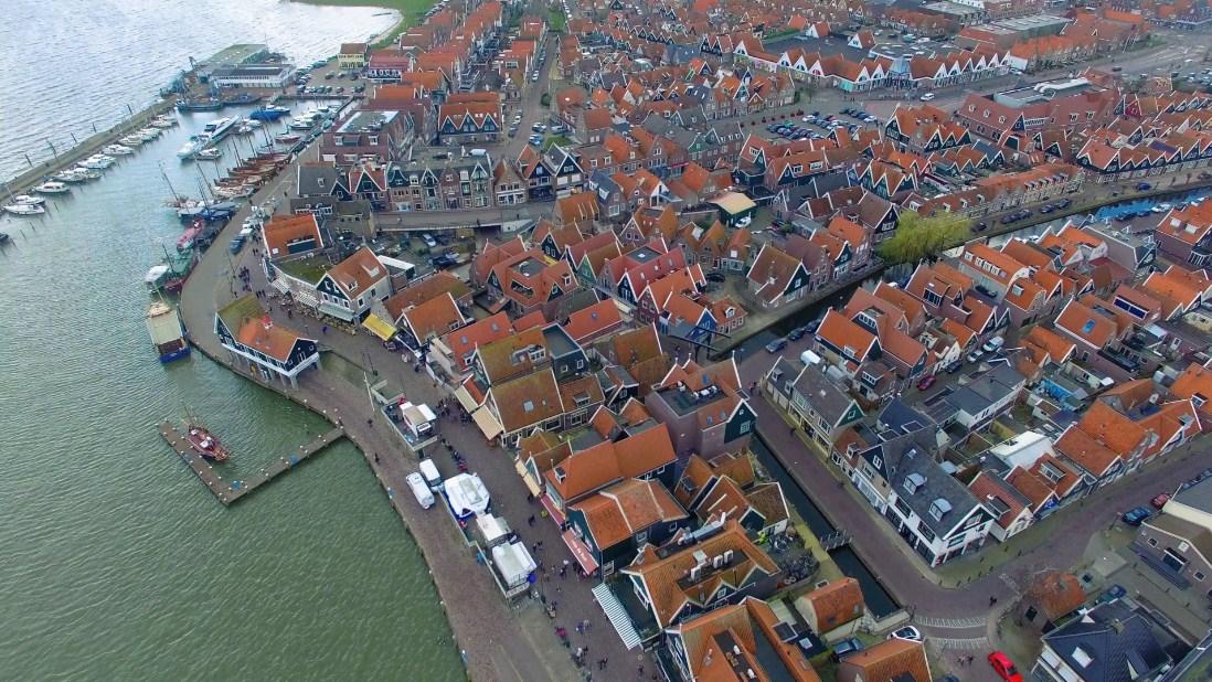 Berkeliling Area Desa Nelayan Volendam