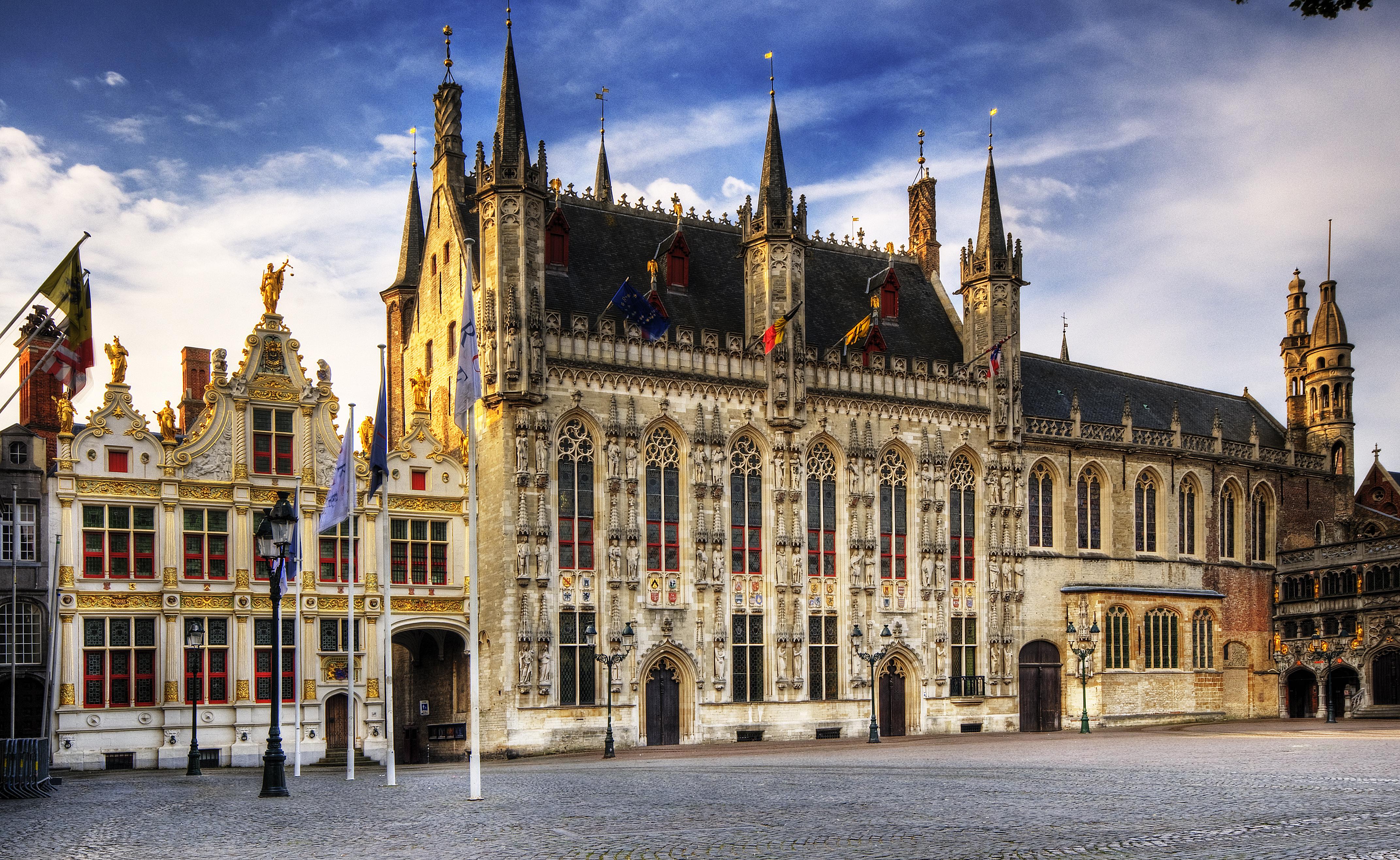 City Hall Bruges (Stadhuis), Bangunan Bersejarah Sekaligus Landmark Kota Bruges