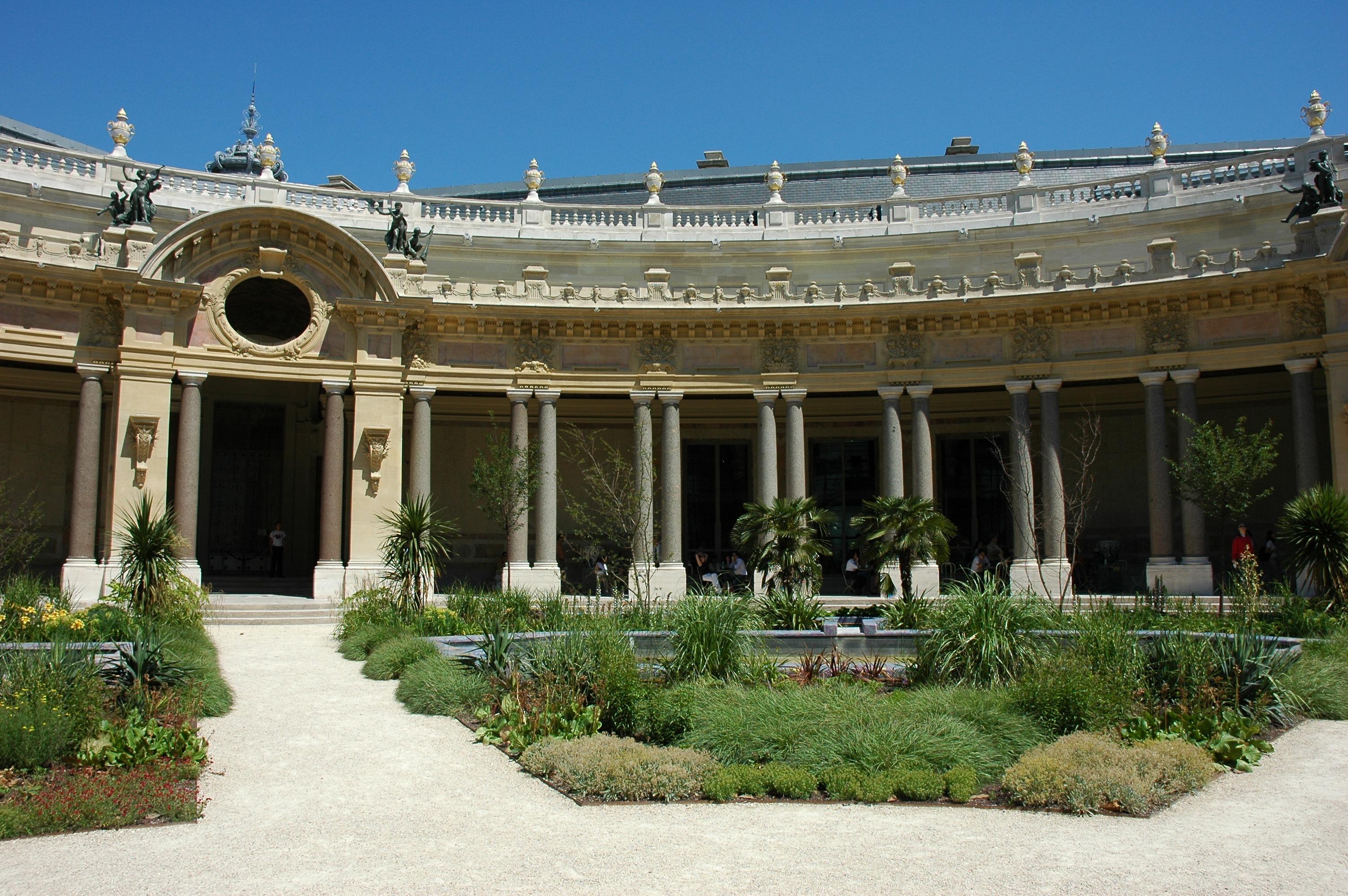 Taman peristyle di Petit Palais