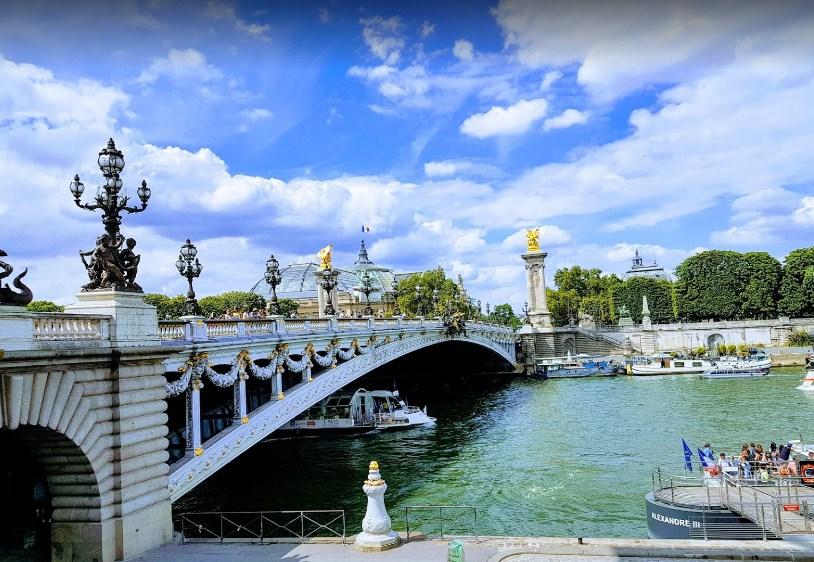 Tentang Jembatan Pont Alexandre III