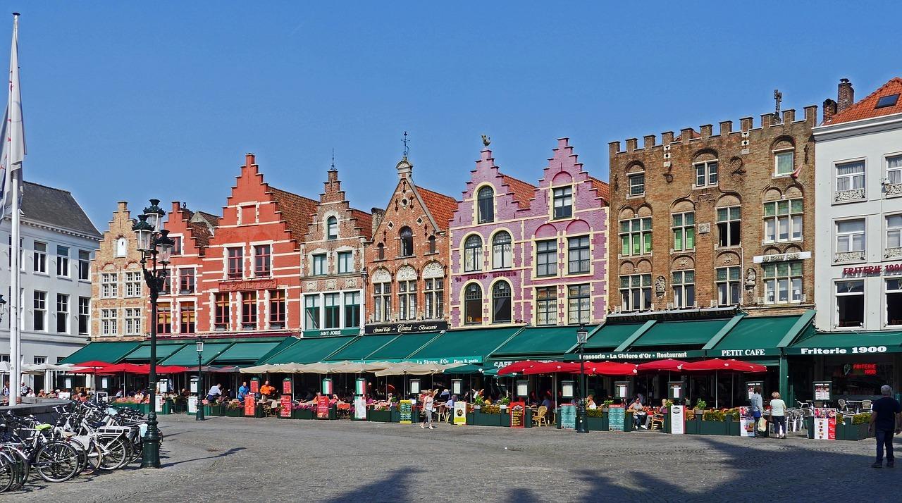 Rumah-Rumah Bergaya Flemish tradisional