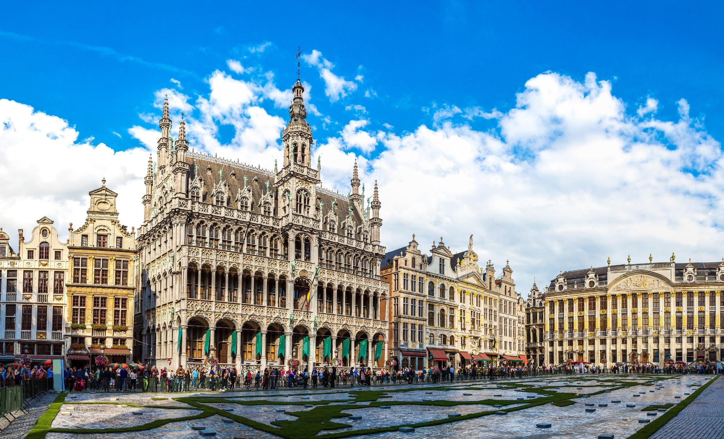 Paket Tour Eropa Barat Wisata Muslim Juli 8 Hari 7 Malam Musim Panas (Summer)