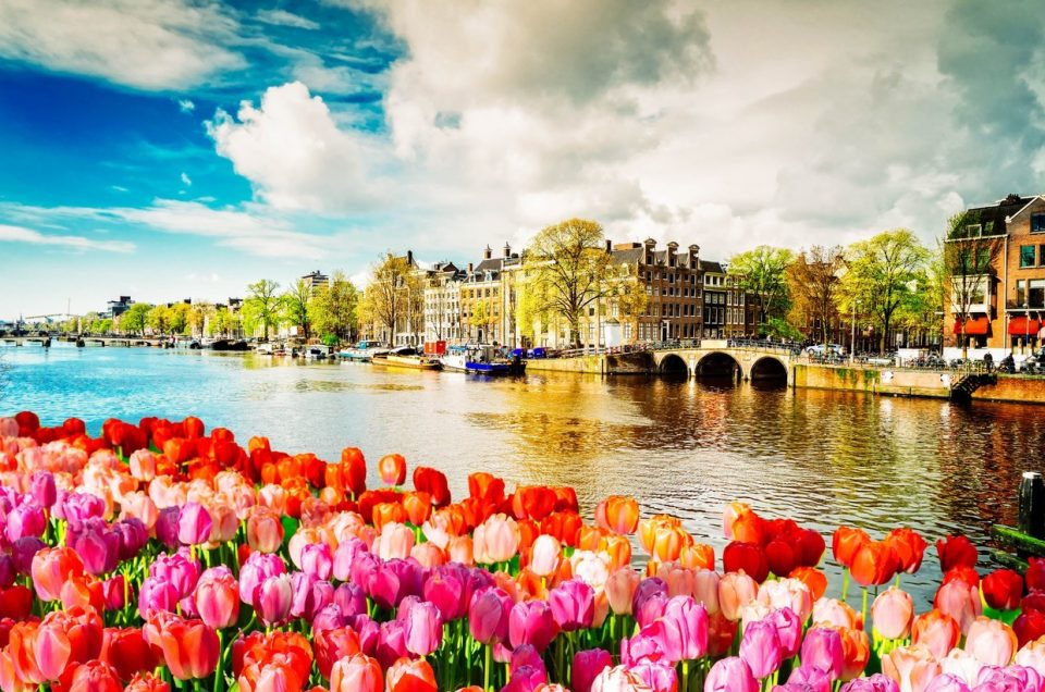 Paket Tour Eropa Barat Wisata Muslim April 8 Hari 7 Malam Musim Semi (Spring)